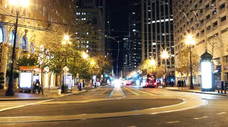 viktoriánus : Time Lapse of Market Street at Night in San Francisco Zoom Out