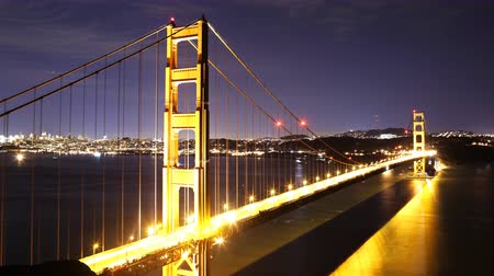 sinema : 4K Time Lapse of Stars over Golden Gate Bridge into Sunrise Zoom Out