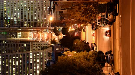 скат : 4K Time Lapse of Twilight Cityscape and Slope in San Francisco Vertical Shot