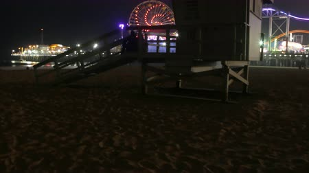 állomás : 4K 3 Axis Motion Control Time Lapse of Lifeguard Tower  Santa Monica Pier Long