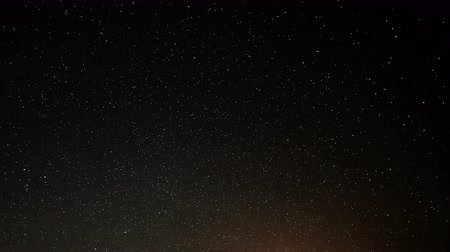 стрельба : 4K Astrophotography Time Lapse of Starry Sky into Dawn over Pinnacles Sky Only