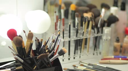 artistas : Brush set for make-up on table
