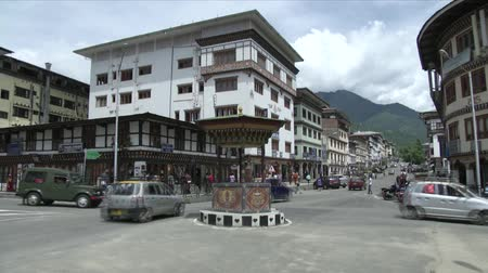 bhutan : Time lapse video of people in the intersection of a Bhutan town Stock Footage