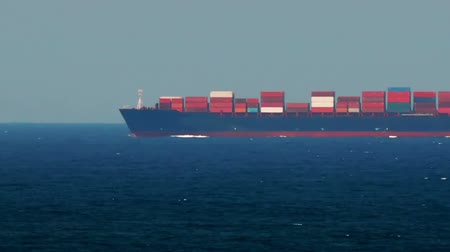 damarlar : Container Ship Passing By. Speed Up Stok Video