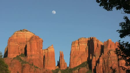 alpy : Cathedral Rock Moonrise