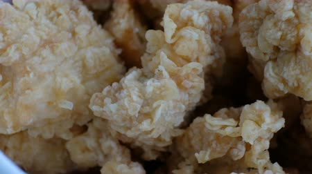 ekmekli : Portion of chicken nuggets, macro shot