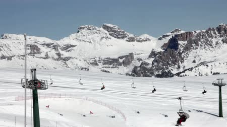 Skiliften in Val Di Fassa ski Resort in Italien