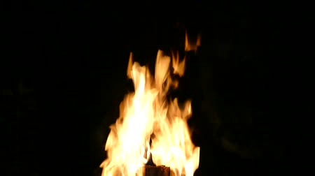 smolder : Bonfire at night.