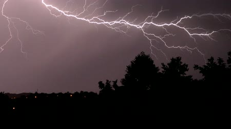 electric strike : Strong thunderstorm with lightning at night.