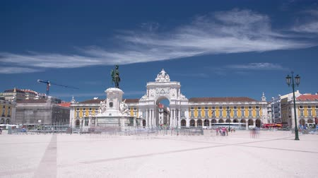 terreiro : Commerce Square with Statue of King Jose I in downtown Lisbon (Portugal), close to the Tagus River is one of the largest squares in Europe - long expo timelapse hyperlapse 4K Stock Footage