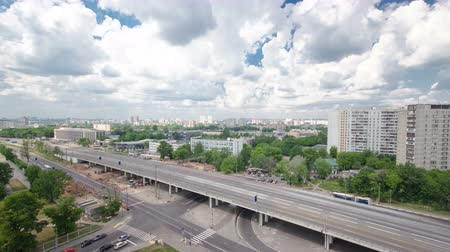 subdivisão : Top view of Traffic on the elevated road timelapse overpass on Yaroslavl highway in Moscow, Russia 4K Stock Footage