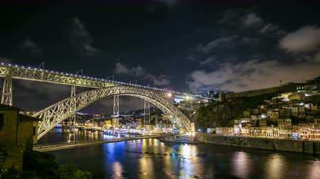 portugalsko : The Dom Luis I Bridge Timelapse is a metal arch bridge that spans the Douro River between the cities of Porto and Vila Nova de Gaia, Portugal
