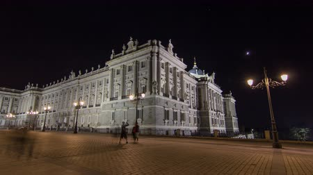 saray : Royal Palace of Madrid Palacio Real de Madrid timelapse hyperlapse at night Stok Video