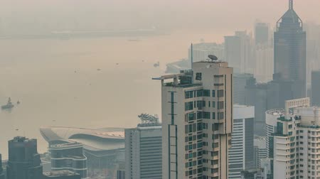 enevoado : View of Hong Kong from Victoria peak in a foggy morning timelapse.