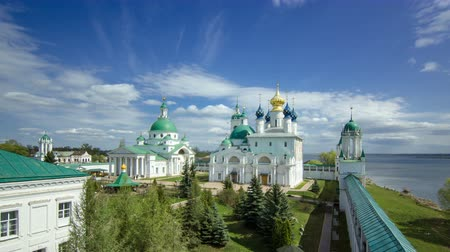zeď : Dimitrievsky Cathedral and Zachatievsky Cathedral of the Spaso-Yakovlevsky Monastery timelapse in Rostov, Russia.