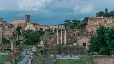 rzym : Ruins of Forum Romanum on Capitolium hill day to night timelapse in Rome, Italy