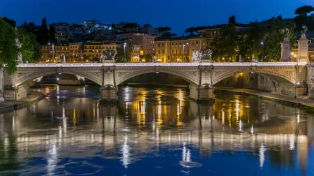 günler : Ponte Vittorio Emanuele II is bridge across Tiber day to night timelapse in Rome, Italy