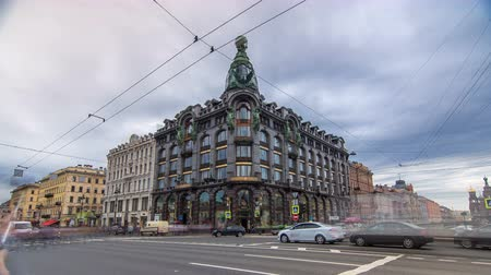 eski şehir : Singer House at the Saint Petersburg timelapse hyperlapse. Stok Video