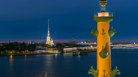vasilevsky : The front view of the top of the rostral column, Peter and Paul Cathedral and the Neva timelapse. Stock Footage