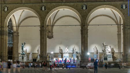firenze : People in front of the Loggia dei Lanzi at Piazza della Signoria Square timelapse. FLORENCE, ITALY