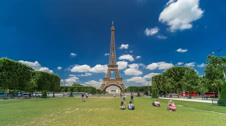 eifel : Eiffel Tower on Champs de Mars in Paris timelapse hyperlapse, France
