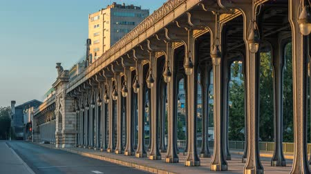 bir hakeim bridge : Seine bridge Bir-Hakeim during sunrise timelapse in the center of Paris a beautiful summer morning, Paris, France.