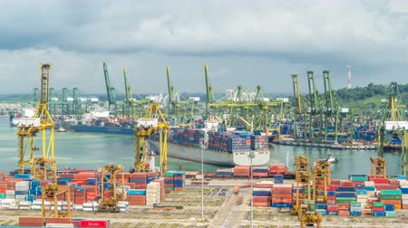 odeslání : Commercial port of Singapore timelapse. Bird eye panoramic view of busiest Asian cargo port Dostupné videozáznamy