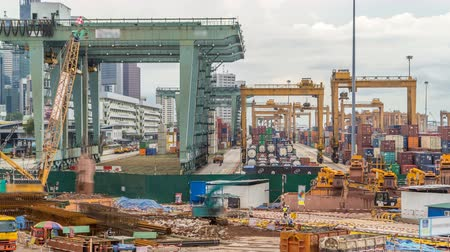 singapur : Commercial port of Singapore timelapse. Bird eye panoramic view of busiest Asian cargo port Stok Video