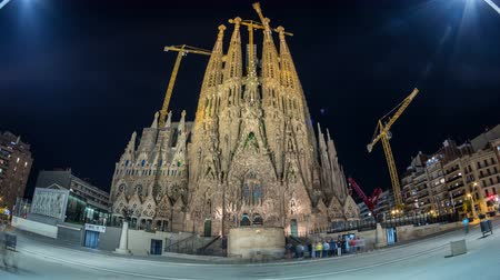 yerler : Sagrada Familia, a large church in Barcelona, Spain night timelapse.