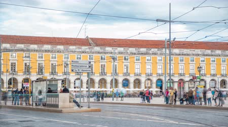 tramwaj : Lisbon old tram on the way to Commerce Square in old town timelapse.