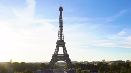 Eiffel Tower from Trocadero at sunrise, Paris, France Stok Video
