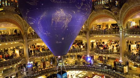 lafayette : PARIS, FRANCE - OCTOBER 05, 2017: People shopping in Gallery Lafayette, the most famous Paris shopping mall, France