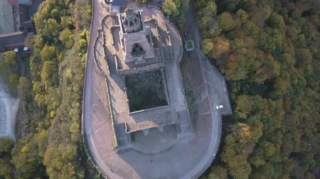 comemoração : Top down aerial of the Kyffhauser monument atop the mountain. Drone shot. Overhead shot. Stock Footage