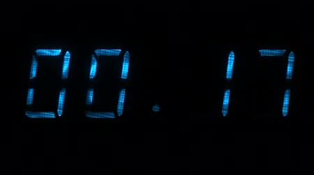 fósforo : Digital countdown timer with an interval 30 seconds 00:30 - 00:00 digits blue on a black background.