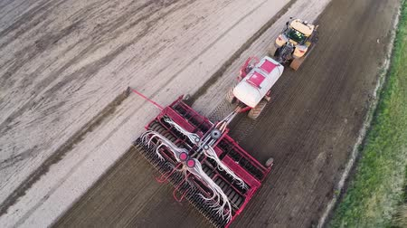 traktor : tractor on the field Aerial Photography