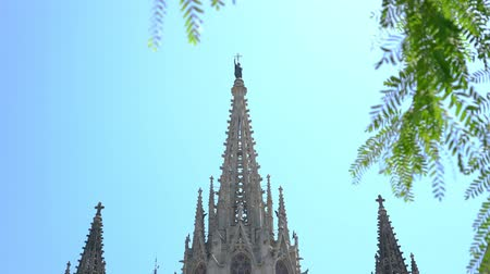 katolicizmus : Cathedral of the Holy Cross and Saint Eulalia in Barcelona