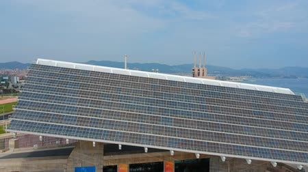 coletor : Huge photovoltaic solar power panel, drone view Vídeos