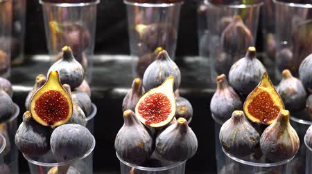 fresh figs on the market