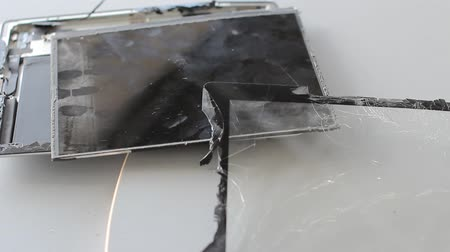 gebroken glas : gebroken tablet-pc Stockvideo