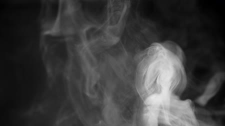 bewerken : White smoke on black background