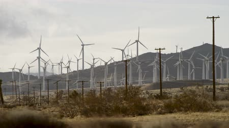 área de trabalho : The video of windmills close to wires