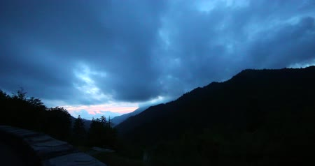 дымный : Great smoky mountains view. Night timelapse.