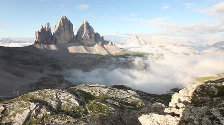 dolomit : Timelapse video of foggy morning at Tre Cime, Dolomite mountains, Italy Stok Video
