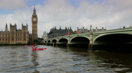 pomost : Westminster Bridge London with boats and bus