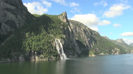 pulpit rock : pulpit rock falls timelapse in norway
