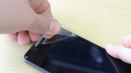 glass master : The master removes the protective glass from the smartphone, the glass cracks and breaks