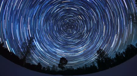 к северу : Star tracks. Fisheye. Time Lapse