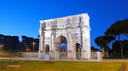 costantino : Arch of Constantine at dawn. Rome. Italy