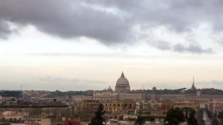 roma : Clouds over Rome. Via del Corso. Italy Stok Video