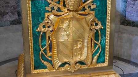 rzym : Coat of arms in the Basilica of St. Paul Outside the Walls. Rome, Italy